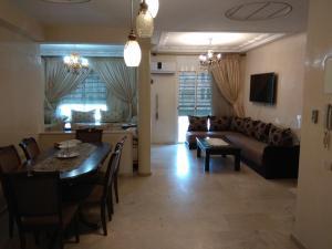 Guivil appartement, Темара