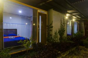 Deluxe Double Room with Shower Bromo Ecolodge