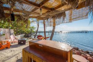 Ocean-to-River Beach-House, Motels  Stuart - big - 48