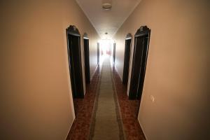 Hotel Arberia, Szállodák  Tirana - big - 35