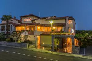 Albergues - Guesthouse Casa Nova
