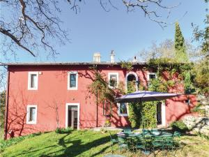 Six-Bedroom Holiday Home in Settefrati (FR) - AbcAlberghi.com