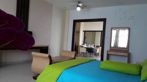 City Hotel, Hotel  Tasikmalaya - big - 77