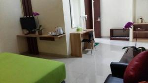City Hotel, Hotel  Tasikmalaya - big - 73