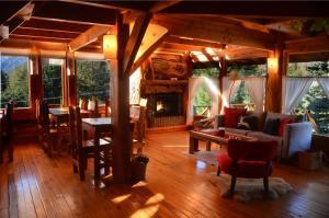 Hostería Casa del Lago, Fogadók  Villa La Angostura - big - 23