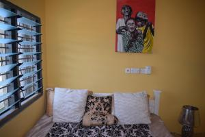 Lions Gate GuestHouse - Obo