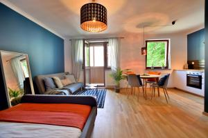 Nowa Str. Apartment 4