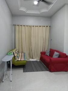 AUZ Guest House, Affittacamere  Kampong Kubang Palas - big - 4