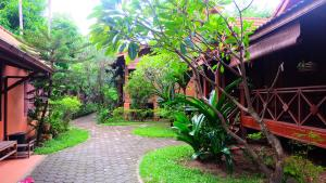 Sala Inpeng Bungalow - Si Chiang Mai