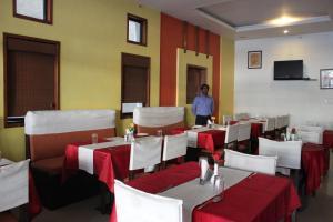 Hotel Stay Inn, Hotely  Hajdarábad - big - 36