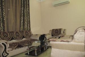Room in a homestay in DLF Ph. 4, Gurgaon, by GuestHouser 12140, Дома для отпуска  Гургаон - big - 4