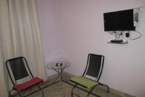 Room in a homestay in DLF Ph. 4, Gurgaon, by GuestHouser 12140, Dovolenkové domy  Gurugram - big - 7