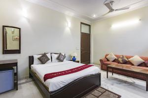 BnB room in Sector 40, Gurgaon, by GuestHouser 2339, Dovolenkové domy  Gurugram - big - 2