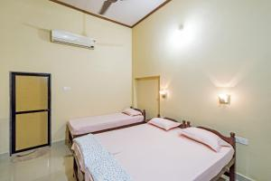 Guesthouse near Anjuna Beach, Goa, by GuestHouser 31212