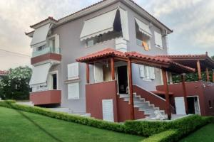 Villa Xristos Kalogeris - Qeserati