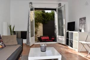 2 rooms flat w terrace Air Rental