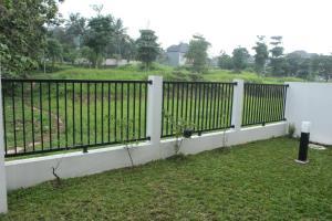 Villa Bogor Nirwana, Nyaralók  Bogor - big - 5