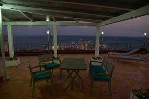 Domina Fluctuum - Penthouse in Salerno Amalfi Coast, Apartmány  Salerno - big - 40