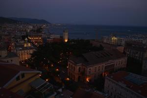 Domina Fluctuum - Penthouse in Salerno Amalfi Coast, Apartmány  Salerno - big - 41