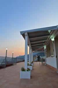 Domina Fluctuum - Penthouse in Salerno Amalfi Coast, Apartmány  Salerno - big - 43