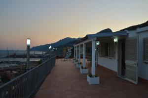 Domina Fluctuum - Penthouse in Salerno Amalfi Coast, Apartmány  Salerno - big - 44