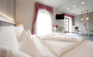 Hotel Villa Groff, Hotels  Ora/Auer - big - 4