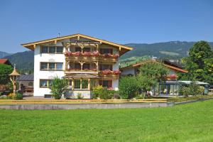 Haus Unterberg - Hotel - Kössen