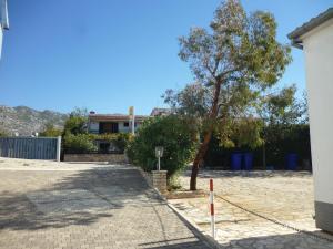 Apartment Ika, Apartments  Starigrad-Paklenica - big - 40