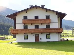 Ferienhaus Eder - Hotel - Leogang