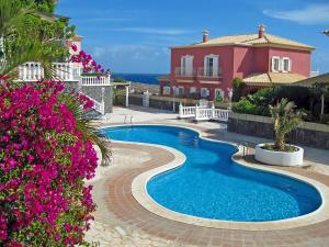 obrázek - Pretty 2 bedroom villa with pool and WiFi