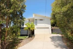 224 Centenary Heights Road Coolum Beach, 500 Dollar Bond, Linen Included - Coolum