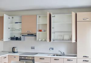Axis Suites, Apartments  Accra - big - 5