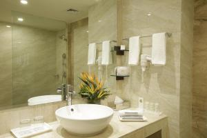 Golden Tulip Suites Gurgaon, Aparthotels  Gurgaon - big - 5