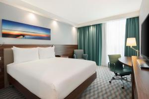 Hampton by Hilton London Stansted Airport (8 of 29)