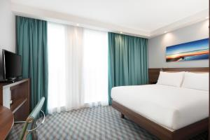 Hampton by Hilton London Stansted Airport (23 of 25)