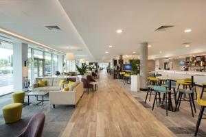 Hampton by Hilton London Stansted Airport (13 of 25)