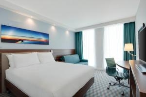 Hampton by Hilton London Stansted Airport (17 of 25)
