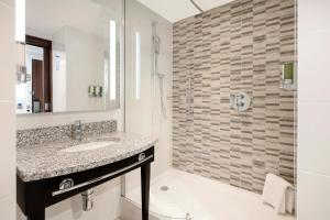 Hampton by Hilton London Stansted Airport (4 of 25)
