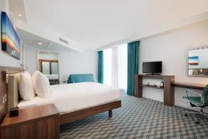 Hampton by Hilton London Stansted Airport (7 of 29)