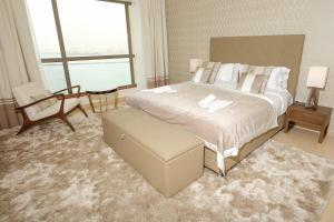 Hometown Apartments - Incredible Sea View holiday rental 2BR on JBR