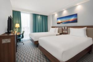 Hampton by Hilton London Stansted Airport (6 of 29)