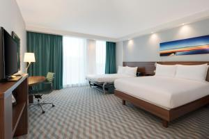 Hampton by Hilton London Stansted Airport (2 of 29)