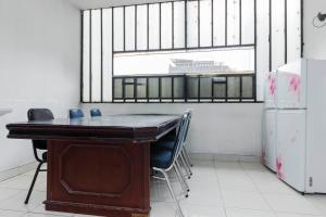 RedDoorz Plus @ Pasar Baru, Guest houses  Jakarta - big - 18