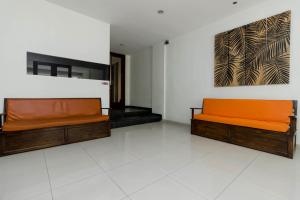 RedDoorz Plus @ Pasar Baru, Guest houses  Jakarta - big - 24
