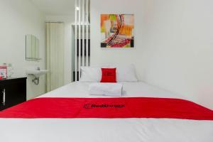 RedDoorz Plus @ Pasar Baru, Guest houses  Jakarta - big - 25