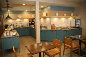 Country Inn & Suites by Radisson, Prineville, OR, Hotely  Prineville - big - 32