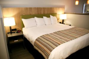Country Inn & Suites by Radisson, Prineville, OR, Hotels  Prineville - big - 2