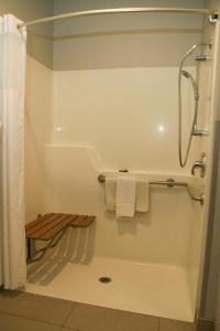 Country Inn & Suites by Radisson, Prineville, OR, Hotely  Prineville - big - 17