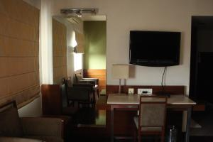 Hotel Stay Inn, Hotely  Hajdarábád - big - 107