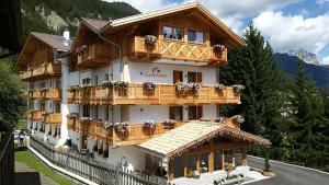 Hotel Garni Lastei - AbcAlberghi.com